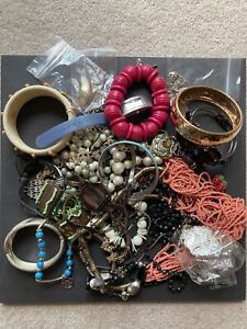 Mixed bag of costume jewellery for repair/harvest/recycling MBJ002