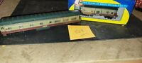 ATHEARN NAPA VALLEY WINE PASSENGER CAR (OPEN) AND CABOOSE (BOXED)