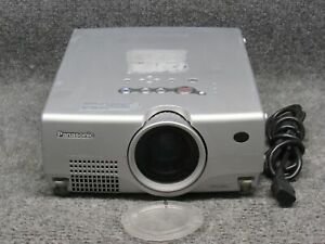 Panasonic PT-L35U 1024 x 768 3LCD Multimedia Projector W/ Lamp *Tested*