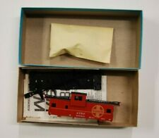 Lot 7-2 * HO Scale Athearn kit 5367, WV Caboose, Santa Fe