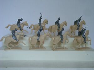 Italeri 1/32 Mounted Norman / Crusader Knights / Complete Set of 8 w/ 8 Horses