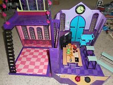 Monster High School Doll House 2011 Furniture Folding Portable Complete Playset