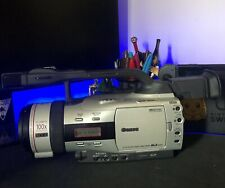 Mint Canon Gl2 Camcorder w/ Battery, Charger & Accessories