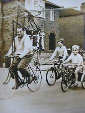 Photo presse vintage C.Davis bricoleur anglais Bicyclette volante Wakefield