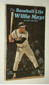 Vintage 1972 The Baseball Life of Willie Mays Paperback Book AAC99