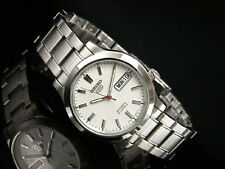 Seiko 5 Mens Silver Stainless Steel Day & Date Watch SNK789K1
