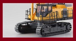 Kyosho PC1250-8 KOMATSU HG Hydraulic Excavator R C 1 50 EGG Band-B JAPAN