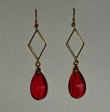 RED FACETED GLASS CRYSTAL GOLD PLATED diamond shaped EARRINGS DM