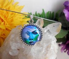 Edelstahl Halsreif mit Glas Cabochon Anhänger Amulett Motiv: Gesicht Modern Art