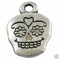 10 x tibétain argent crâne face charms pendants sugar skull
