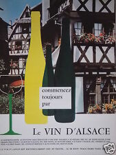 PUBLICITÉ 1968 COMMENCEZ PAR LE VIN D'ALSACE GEWURZTRAMINER - RIESLING SYLVANER