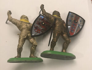 Vintage Lot 2 1987 Britains Deetail Toy Soldier England Crusaders Knight Shield