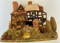 Lilliput Lane Three Feathers Cottage England Collection Handmade UK Decor