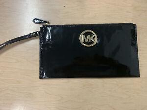 Michael Kors Fulton Large Zip Clutch Wristlet Black Patent Leather NEW