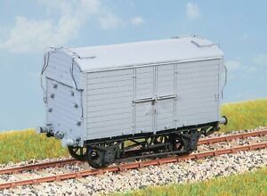 Parkside PC85 OO Gauge GWR 6t Mica B Insulated Van Kit