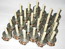 25 x CTS JK2167 - 100K ohm Pot - Linear Taper, 1/2W, split tip - knurled shaft S