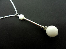A LOVELY WHITE JADE   BEAD  PENDANT NECKLACE.  NEW.