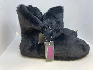 NWT Bobbie Brooks Women's Slip On Bootie Slippers Black Size M 8-9