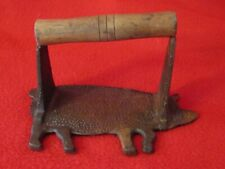 VINTAGE PIG SHAPED BACON PRESS CAST IRON WITH WOOD HANDLE