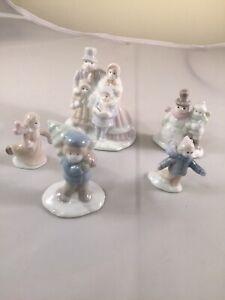 Christmas Display Train Layout Ceramic Figurines Carolers Snowman Tree Villagers