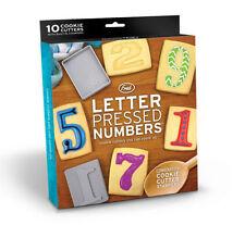 Formine e stampi numeri in plastica per biscotti