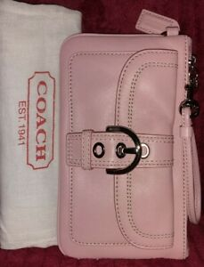 Auth Coach F40574💥NWT💥Vintage Soho Large Silver/Pink Pebbled Leather Wristlet