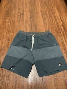 Vuori Men's Kore Shorts Green /Grey Size Large Workout Athletic