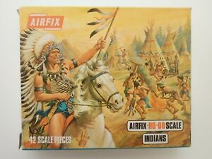 42 x AIRFIX HO OO 1:72 SCALE INDIANS IN BLUE SIDED BOX 1966 - 1973 PLASTIC TOY