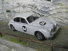Paragon Model Icons Jaguar Mk ll 1:18 #84 Coombs Equipe