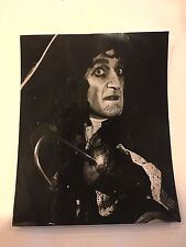 Ron Moody Peter Pan 8 x 10 Photo Autographed Hand Signed B & W