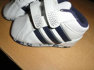 ADIDAS INFANT TRAINERS SIZE UK 2 BNIB