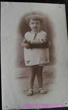 PGF047 - photo CP ENFANT AVEC MAQUETTE DE BATEAU - MARRAKECH 1926