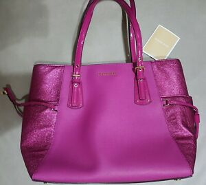 MICHAEL KORS VOYAGER MULTIFUNCTION LEATHER TOTE -ULTRA PINK