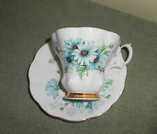 Royal Albert Bone China MARGUERITE Blue Daisy Tea Cup & Saucer