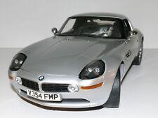 "BMW Z8 Maßstab 1:12 James Bond 007 ""The world is not enough"" neu OVP"