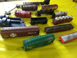 HO scale freight cars, Lot of 16 , used, various road names and manufacturers