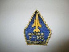 b4998 US Air Force Republic Thunderchief F 105 Vietnam blue and yellow IR21B