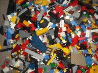 1kg /1000g LEGO bundle random bricks job lot.Will get minifigure & Castle Wall