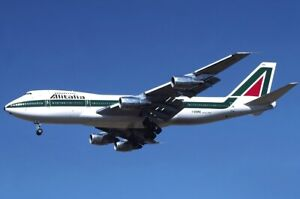 INFLIGHT 200 IF742AZ0920 1/200 ALITALIA BOEING 747-200 REG: I-DEMN WITH STAND