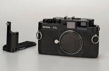 Voigtländer Bessa R3A // Leica M