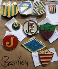 10 Anstecknadeln, Broschen oder Pins Sport/Fußball Brasilien