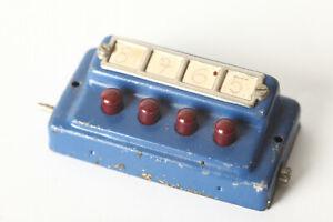 Märklin H0 Old Control Desk 4 Dark Red Buttons (167260)