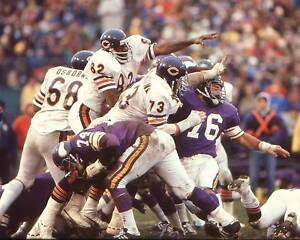 ALAN PAGE photo in action Chicago Bears HOF (c)