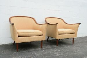 Mid Century Modern Pair of Living Bed Room Fireplace Lounge Side Chairs 2326