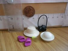 0471 Sandals + 2 Hats Camera - Playmobil Doll House Hotel Spares
