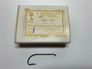 Mustad hooks for fly tying, 3667, No 1