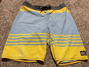 QUIKSILVER CYPHER DANE REYNOLDS BOARD SHORTS SWIM SUIT MEN'S SIZE 32