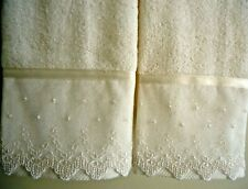 LACE Fingertip Guest Towels (2) IVORY Velour Cotton Embellished NEW by UtaLace
