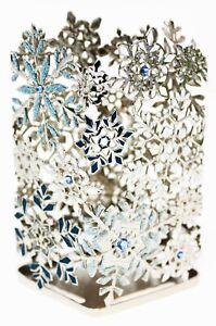 Bath Body Works Foam Foaming Soap Holder Sleeve WHITE BLUE SNOWFLAKES CHRISTMAS