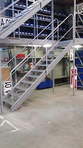 Industrie Treppe Stahltreppe Außentreppe Metalltreppe 11 Stufen